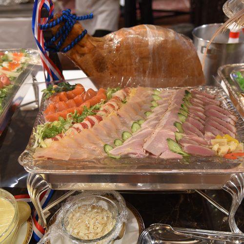 メインディッシュ級のお料理だけでなく、オードブルコーナーも華やか